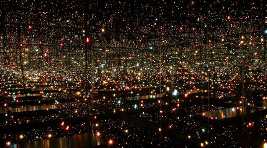 Yayoï Kusama, Infinity Mirror Room Fireflies on Water, 2000